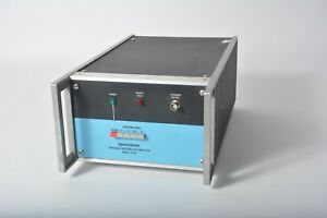 Spectracom 8140 Frequency Distribution Amplifier Opt 8 20