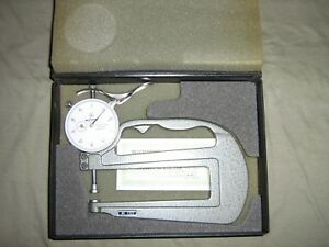 Mitutoyo Thickness Gage 7323 Flat Anvil Nos Micrometer Metric In Vintage Case