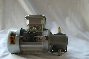 New Nord Sk1sm31lx 63l 4 Cus Gear Motor 25hp 25 1 Ratio 143 Lb in 3ph