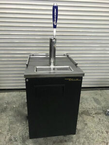 Single Door Direct Draw Beer Dispenser Keg Cooler True Tdd 1 8227 Kegerator Nsf