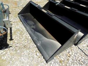 New unused Tomahawk 84 Smooth Bucket For Skid Steer Loaders Ssl Quick Attach
