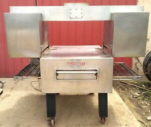 Blodgett Mt3240g 32 Gas Conveyor Pizza Oven W Extraction Hood