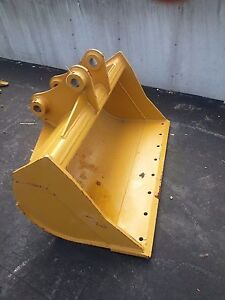 New 48 Caterpillar 307ecr Ditch Cleaning Bucket With Bolt On Edge