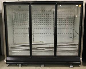 New Master bilt Three Glass Door Merchandiser With New Remote