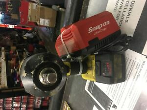 Snapon Snap On Ct8850hv 1 2 Electric Cordless 18v Impact Wrench Kit