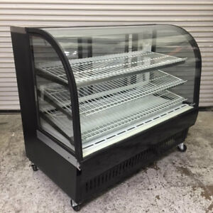 59 Refrigerated Curved Glass Bakery Dessert Display Case True Tcgr 59 8343 Nsf