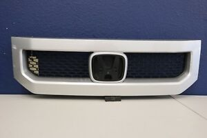 2010 2011 Honda Element Front Upper Grille Painted Without Emblem