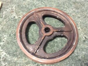 526150 A Used 3 Groove Pulley 13 5 In For A New Idea 5406 5407 Disc Mowers