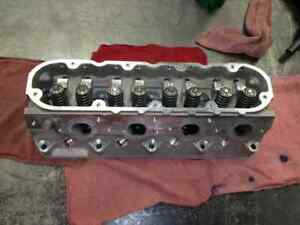 98 Chevy Camaro Cylinder Head 8 350 5 7l Removed From 5000 Mile Engine 818465