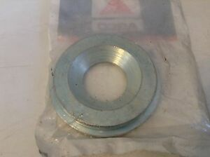 526228 A New Centering Ring For A New Idea 526 527 528 Disc Mowers