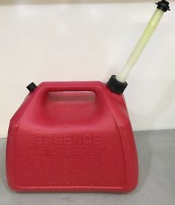 Vintage Rubbermaid Essence Gas Can 5 Gallon Vented With Screened Spout Mod 1251