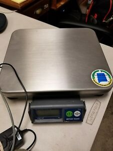 Mettler Toledo Viva Scale 8217 W int Display 15lb Max Display Ozs 2 Avail