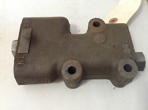 386910r91 A New Power Steering Flow Divider Valve For A Ih 504 544 Tractors
