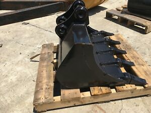 New 30 Heavy Duty Excavator Bucket For A Takeuchi Tb125 W Coupler Pins