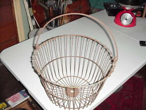 Antique Rusty Wire Metal Egg Vegetable Basket Early 1900 S Metal Bail Handle