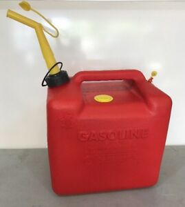 Vintage Chilton Gas Can Vented 5 Gallon With Brass Screened Spout Mod P500