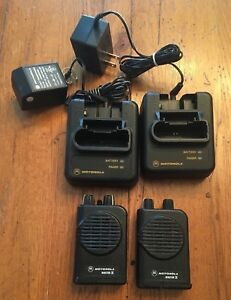Two 2 Motorola Minitor 4 Iv With Charger Frequency s F1 45 250 F2 48 750