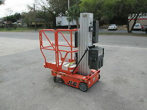 Jlg Model 12sp Or 15sp Electric Personnel Lift Platform Height Is 12 Or 15