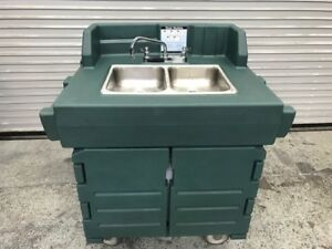 2 Compartment Portable Hand Wash Sink Cart Cambro Camkiosk Ksc402 Nsf 8620