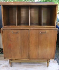 Mid Century Mcm American Of Martinsville Walnut 2pc Record Cabinet Console Pu Fl