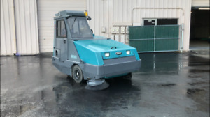 Tennant 800 Turbo Diesel Floor Sweeper W enclosed Cab Air Conditioning And Heat