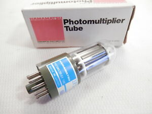 Hamamatsu Model 1p21 Photomultiplier Tube 300 650nm Side on Made In Japan