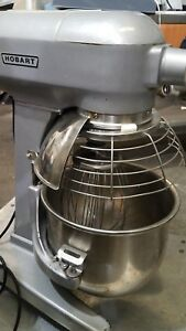 Hobart Mixer 20 Qt A200 W Bowl Guard Attachment Hub Ss Bowl And Whip