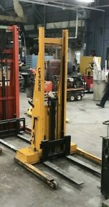 Lot Of 2 Powered Lift Pallet Stackers 1 Liftrite L68 1 green Lift