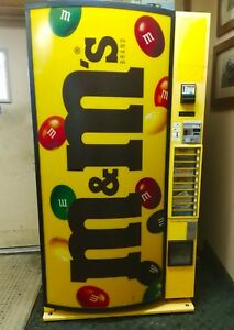 M m Refrigerated Vending Chilled Candy Snack Soda Big Capacity Vendo 669 Vintage