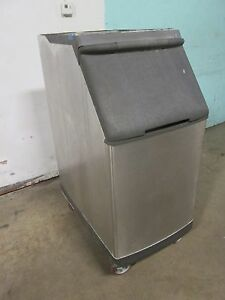 manitowoc S 420 H d Commercial nsf Open top Ice Storage Bin On Casters