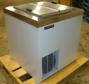 New Master bilt Conventional Ice Cream Dipping Cabinet