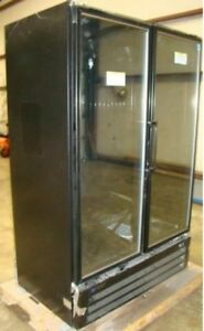 Master bilt 2 glass door Freezer Merchandiser