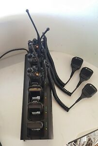 Lot Of 3 Motorola Xts5000 H18ucf9pw6an Speaker Mic 6 Batteries And Ch base