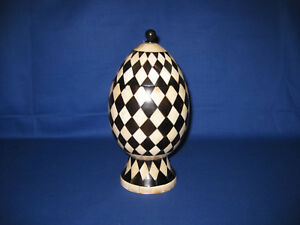 Rare Vintage Anglo Indian Black White Inlay Bovine Bone And Horn Checkerboard
