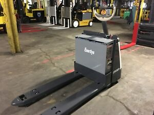 2014 Crown Electric Pallet Jack Only 320 Hours