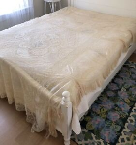 Exquisite Antique French Normandy Lace Coverlet Great Edge Fringe 103 X 66