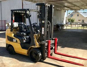 Pre owned 2010 Caterpillar 6 000 Lbs Capacity Forklift
