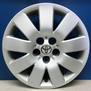 03 04 Toyota Corolla Le 61123 15 Hubcap Wheel Cover Oem 42621ab060 Used