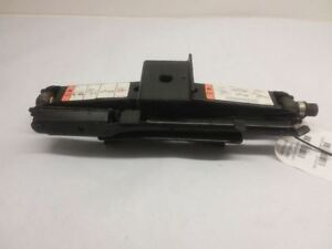 2000 2011 Lincoln Town Car Scissor Lift Jack With Lug Wrench Oem