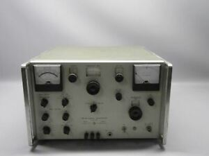 Hewlett Packard Hp Model 202h Fm am Signal Generator powers On