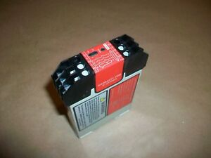 Banner Safety Relay Es fa 6g 24v Ac dc Used