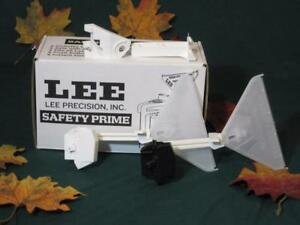 90997 Lee Safety Primer Feed With Large and Small Primer Feeders