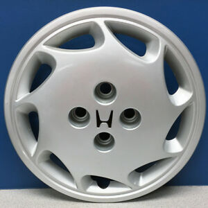 One 88 89 Honda Accord 55006r Right Side 14 9 Slot Hubcap Wheel Cover Used