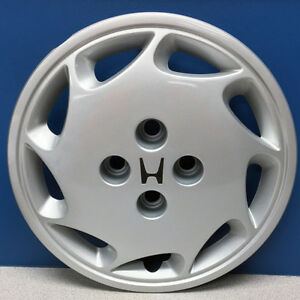 One 88 89 Honda Accord 55006l Left Side 14 9 Slot Hubcap Wheel Cover Used