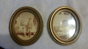 Antique Vintage Mid Century Matched Pair Wooden Gold Gesso Oval Picture Frames