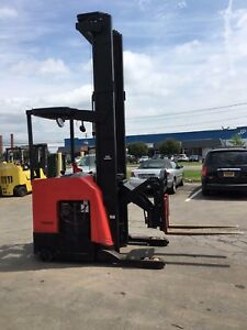 2008 Raymond Reach Truck 4000lb 330 Lift W Battery charger 42 Forks 141 Tall
