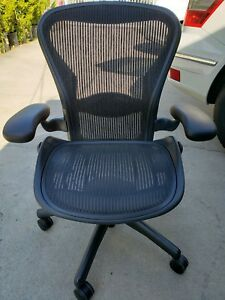 Herman Miller Aeron Chair Medium Size B Fully Adjustable Lumbar Perfect 9 5 10