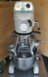 Globe Food Sp20 3 speed 20 Qt Mixer Light Use Great Working Condition