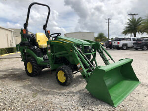25 Horsepower Tractor 1025r W Backhoe Only 11 Hours John Deere