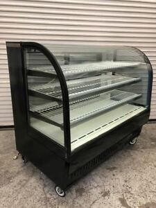 True 60 Bakery Display Case Curved Glass Tcgr 59 9169 Refrigerated Cold Nsf